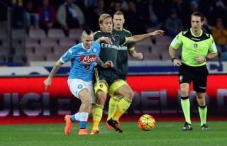 Chia điểm với AC Milan, Napoli lỡ cơ hội giành ngôi đầu Serie A