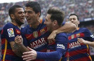 Đại thắng trận derby, Barca chạm tay vào chức vô địch Liga