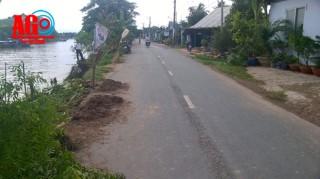 Sạt lở nghiêm trọng trên tuyến đường tỉnh 946