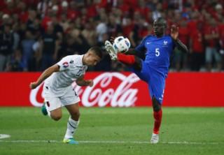 Chelsea chiêu mộ Kante, giá 32 triệu bảng Anh