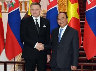Thủ tướng Nguyễn Xuân Phúc hội đàm với Thủ tướng Slovakia