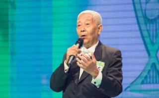 Cụ ông 78 tuổi vào chung kết Tiếng hát mãi xanh
