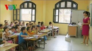 """Bộ trưởng Phùng Xuân Nhạ: """"Học ngoại ngữ không phải để lấy chứng chỉ"""""""
