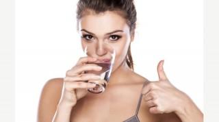 Giữ được thói quen uống đủ nước mỗi ngày, bạn sẽ đạt được vô số lợi ích không tưởng