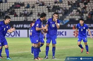 Dangda lập hat-trick, tuyển Thái Lan thắng kịch tính Indonesia