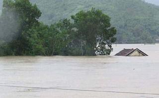 Hôm nay, miền Trung lại hứng mưa lớn