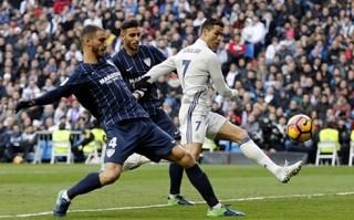 Ramos tỏa sáng rực rỡ, Real Madrid đánh bại Malaga