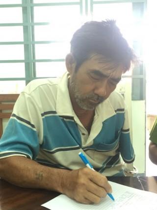 Kẻ giết người trốn truy nã 16 năm bị bắt khi về giỗ cha