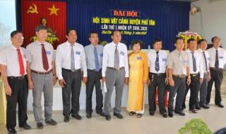 Huyện Phú Tân ra mắt Hội sinh vật cảnh