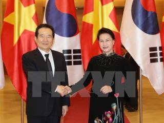 Đề nghị Hàn Quốc nghiên cứu miễn thị thực cho du lịch ngắn hạn