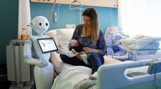 Robot sẽ thay thế 50% việc làm của con người trong 10 năm?