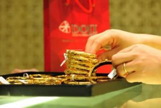 Giá vàng hôm nay 3-6: Áp lực giảm giá