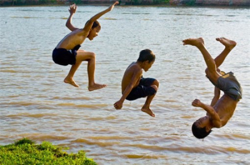 Mẹ cần biết: Hiểm họa đối với con trẻ vào vụ nghỉ hè