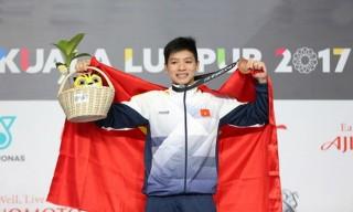 Kình ngư 15 tuổi Kim Sơn phá kỷ lục SEA Games bơi 400m hỗn hợp