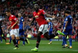 Hàng công bùng nổ cuối trận, Man Utd đại thắng Everton