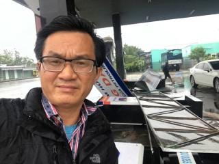 Bão số 12 đang càn quét Ninh Hòa, Nha Trang