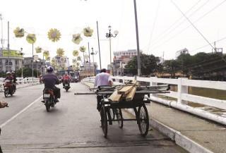 Vui, buồn nghề xe lôi đạp