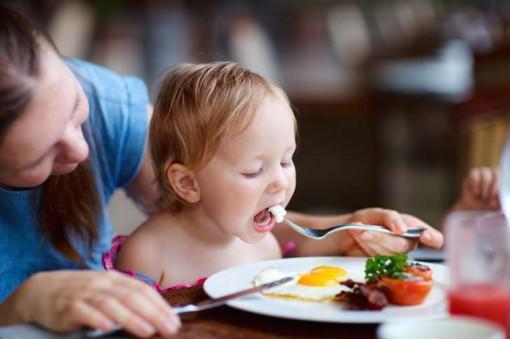 Một quả trứng mỗi ngày có thể làm tăng chức năng não của trẻ