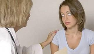 Kỳ lạ cô gái với đôi mắt trắng dã có khả năng nhìn xuyên thấu mọi vật