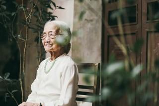 Người phụ nữ hơn 50 năm đợi chồng và những triết lý về tình yêu