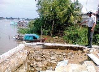 Chỉnh trị dòng chảy để hạn chế sạt lở bờ Châu Phong