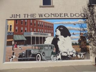 Năm Tuất thăm bảo tàng chú chó Jim