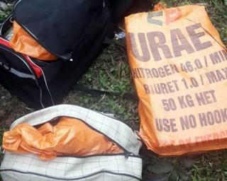 Hai ô tô chở 288 bánh heroin lao vào cảnh sát để tháo chạy