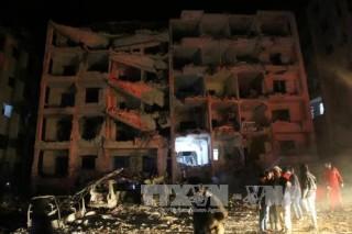 Nổ lớn làm sập tòa nhà ở Syria, 93 người thương vong