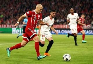 Bayern Munich thong dong giành vé vào bán kết Champions League