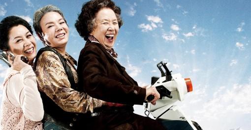"""76 tuổi, """"Bà lão đáng yêu nhất"""" màn ảnh Hàn Quốc lên ngôi Ảnh hậu"""