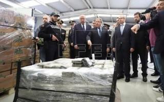 Tây Ban Nha thu giữ 9 tấn ma túy giấu trong các thùng trái cây