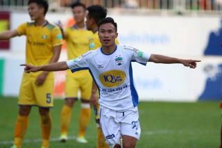 HAGL 1-0 SLNA: Triệu Việt Hưng giúp phố Núi đòi nợ sau 2 năm