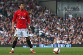 """Ronaldo muốn gia nhập Man Utd với Mourinho"""