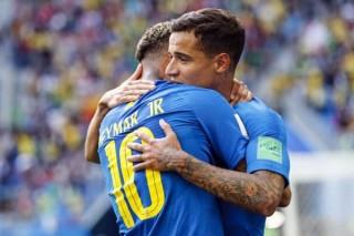Trọng tài bẻ còi, Brazil thắng nhọc phút bù giờ