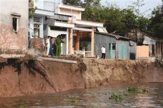 Cần thiết thực hiện dự án chỉnh trị dòng chảy, hạn chế sạt lở bờ sông Hậu