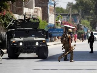 Bắt cóc con tin, đánh bom tự sát đẫm máu tại Afghanistan