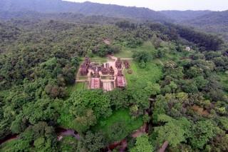 Thánh địa cổ ở Việt Nam nhìn từ trên cao đẹp như tranh cổ tích