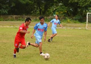 Sân chơi bóng đá cho nông dân