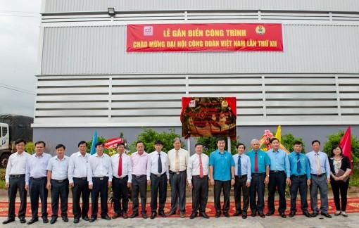 LĐLĐ An Giang gắn biển công trình chào mừng Đại hội XII Công đoàn Việt Nam