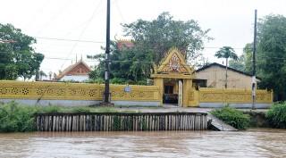 Xóm Khmer giữa đồng bằng