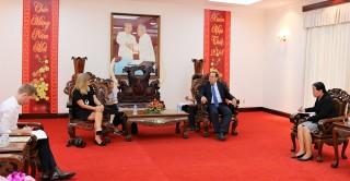 Tổng lãnh sự quán Úc đến thăm, làm việc tại An Giang