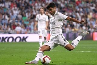 """Thắng nhọc nhờ công nghệ VAR, Real """"lên đỉnh"""" La Liga"""