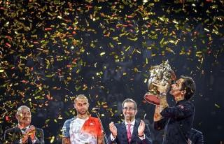 Federer – Từ cậu bé nhặt bóng đến chức vô địch 99 trong sự nghiệp