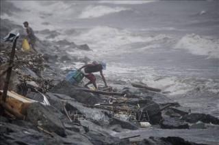 Bão Yutu hoành hành tại Philippines, 5 người thiệt mạng và 30 người bị vùi lấp