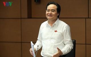 Bộ trưởng GD-ĐT nhận trách nhiệm để lãng phí sử dụng sách giáo khoa
