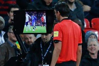 Champions League sẽ áp dụng VAR từ vòng loại trực tiếp