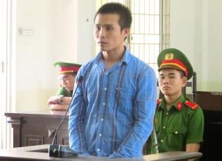 Trộm két sắt, lãnh án 8 năm tù