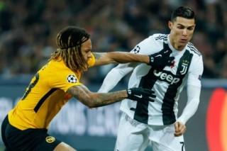 """Ronaldo mờ nhạt, Juventus """"gục ngã"""" trước Young Boy"""