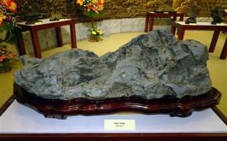 Bộ sưu tập đá cảnh thiên nhiên độc đáo theo nghệ thuật Suiseki