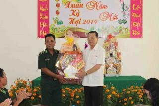 Phó Bí thư Thường trực Tỉnh ủy Võ Anh Kiệt thăm và chúc Tết tại Tân Châu